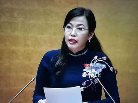 Cu tri de nghi truc xuat hang tram nguoi nuoc ngoai lam viec khong co giay phep lao dong - Anh 1