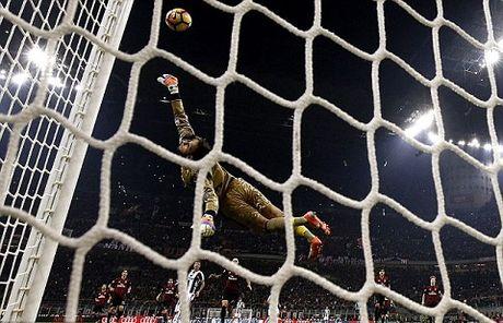 CAP NHAT toi 15/11: Carrick gui tam thu cho Mourinho. Barca nham doi truong cua Shakhtar Donetsk - Anh 2