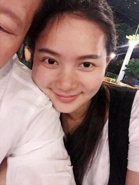 Duoc chong dai gia yeu chieu, Phan Nhu Thao khong lo giau ngoai hinh qua kho sau sinh - Anh 5