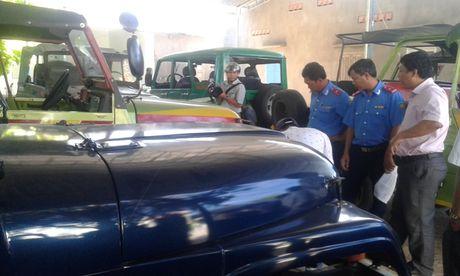 Tong kiem tra xe cho du khach nuoc ngoai khong an toan o Binh Thuan - Anh 1