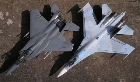 'So gang' uy luc cua Su-27 Nga va F-15 My - Anh 1