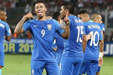 Clip Brazil ha Peru, cham tay vao ve World Cup 2018 - Anh 1