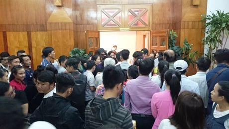 Khanh Hoa: Soi dong phien ve so dien toan Vietlott dau tien - Anh 1