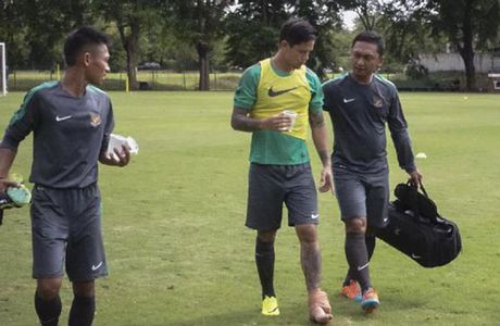 'Beckham Indonesia' dinh chan thuong nang truoc them AFF Cup 2016 - Anh 1