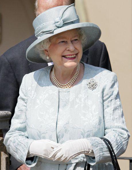 Bo suu tap mu bat ly than cua Nu hoang Anh Elizabeth II - Anh 12