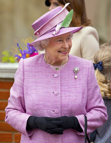 Bo suu tap mu bat ly than cua Nu hoang Anh Elizabeth II - Anh 13