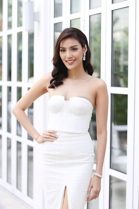 My nhan Viet xinh tuoi du le nham chuc cua Lan Khue - Anh 2