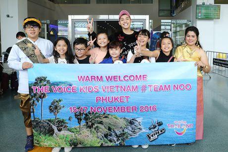 Noo Phuoc Thinh dua me va cac hoc tro di du lich Thai Lan - Anh 3