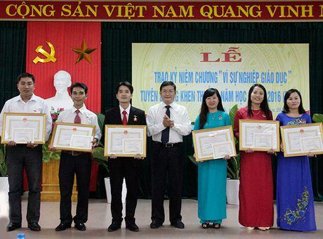 Phan dau vi giao duc Quang Binh doi moi va phat trien ben vung - Anh 1