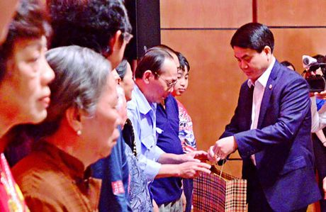Lanh dao Trung uong, TP Ha Noi du Ngay hoi Dai doan ket toan dan toc o cac khu dan cu - Anh 2