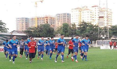Diem tin toi 15/11: Tuyen VN co the mat Tuan Anh o tran dau AFF Cup - Anh 1