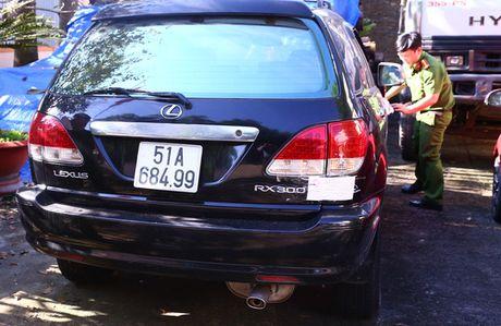 Phat hien 6 xe sang hieu Lexus, Camry xai giay gia - Anh 1