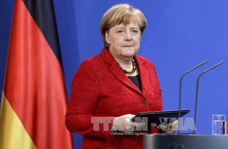 Ba Angela Merkel se tiep tuc tranh cu Thu tuong Duc - Anh 1