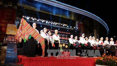 Khai mac le hoi chieng Muong tinh Hoa Binh lan thu II - Anh 1