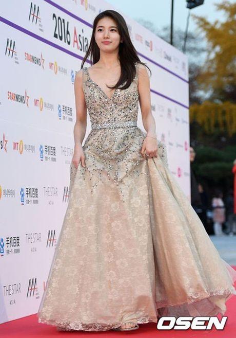 Chi Pu rang ro hon ca Park Shin Hye - Anh 20