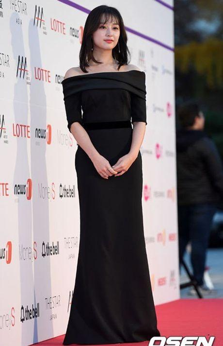 Chi Pu rang ro hon ca Park Shin Hye - Anh 25