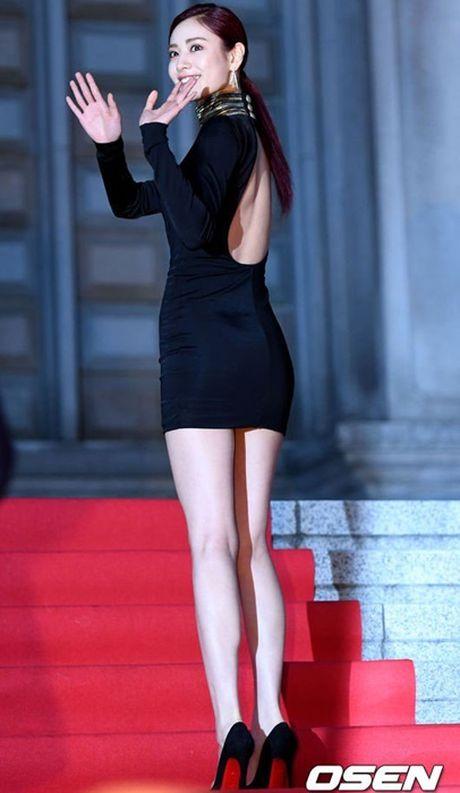 Chi Pu rang ro hon ca Park Shin Hye - Anh 27