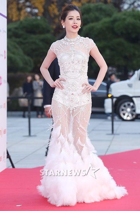 Chi Pu rang ro hon ca Park Shin Hye - Anh 6