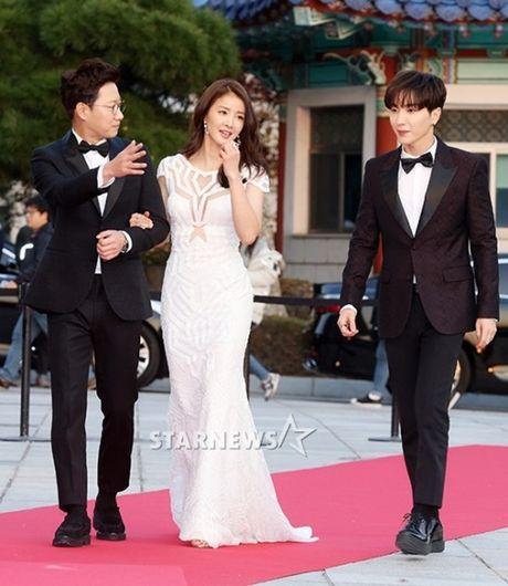 Chi Pu rang ro hon ca Park Shin Hye - Anh 9
