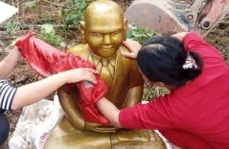 Thanh Hoa: Mot pho tuong duoc phat hien duoi dam tom - Anh 1
