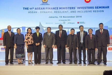 ASEAN: Khu vuc tang truong nang dong, ben bi va bao trum - Anh 1