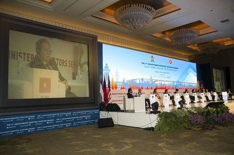 ASEAN: Khu vuc tang truong nang dong, ben bi va bao trum - Anh 3