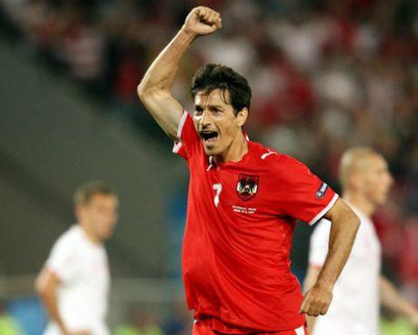 "Ong lao ""nha dan"" o giai lon: Goi ten Giggs, Totti - Anh 2"