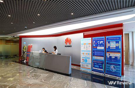 "Can canh ""van phong mo, xanh, khong day"" cua Huawei Viet Nam - Anh 2"