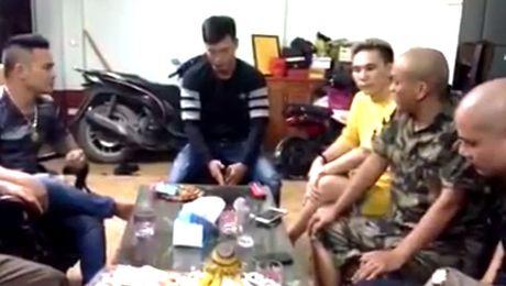 So dai ca giang ho, thanh nien tu Bac Ninh len Ha Noi xin loi ca si Chau Viet Cuong - Anh 3
