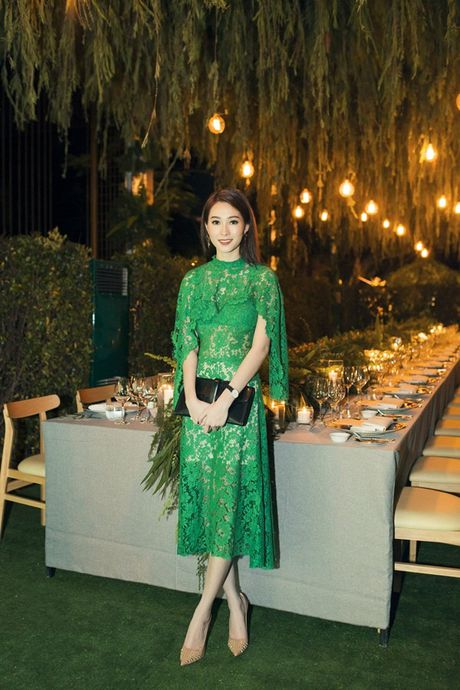Hoa hau Dang Thu Thao dep ngan ngo o moi goc nhin - Anh 3