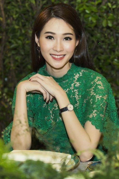 Hoa hau Dang Thu Thao dep ngan ngo o moi goc nhin - Anh 4