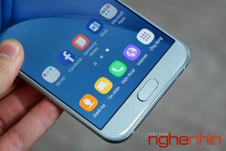 Tren tay Galaxy A8 2016 dau tien Viet Nam gia 9 trieu - Anh 14