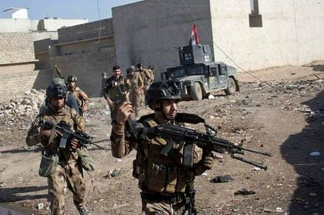 Quan doi Iraq noi lai chien dich tan cong IS o phia Dong Mosul - Anh 1