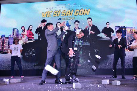 """Dan sao cua """"Ve si Sai Gon"""" khoe duyen hai huoc va tai nang trong showcase hoanh trang - Anh 13"""