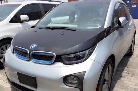 BMW muon nang doanh so ban cac dong xe chay bang dien - Anh 1