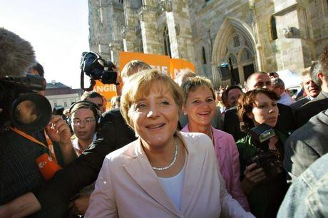 Angela Merkel tiep tuc tranh cu Thu tuong Duc lan 4 - Anh 9