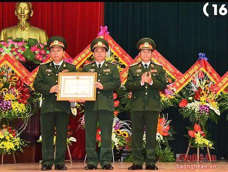 Cuc Hau can Quan khu 4 don nhan Huan chuong Bao ve To quoc hang Nhi - Anh 1