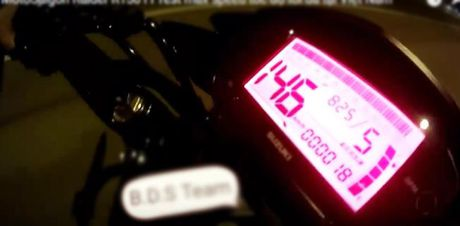Suzuki Raider R150 Fi gay bat ngo voi van toc gan 150 km/h - Anh 1