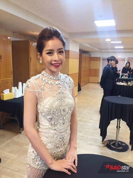 Chi Pu long lay, khoe sac ben Park Shin Hye va Yoona trong hau truong Asia Artist Awards - Anh 5