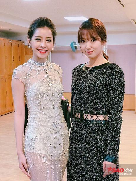 Chi Pu long lay, khoe sac ben Park Shin Hye va Yoona trong hau truong Asia Artist Awards - Anh 6