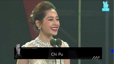 Chi Pu long lay, khoe sac ben Park Shin Hye va Yoona trong hau truong Asia Artist Awards - Anh 9