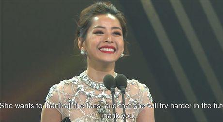 Chi Pu thang giai 'Ngoi sao trien vong chau A', tu tin phat bieu bang tieng Anh tai Asia Artist Awards 2016 - Anh 7