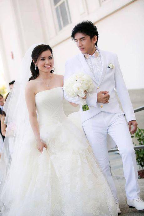 Vo chong Dan Truong tang qua khung cho con trai gay choang; Huynh Anh bi to dao bai nhay cua Idol Kpop - Anh 5