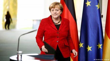 Ba Merkel san sang tranh cu them nhiem ky thu tu - Anh 1