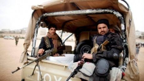 Yemen: Luc luong Houthi tuyen bo san sang dinh chien, lap chinh phu doan ket - Anh 1