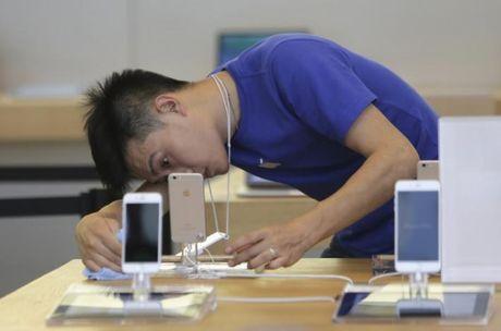 Nguoi Trung Quoc keu troi vi iPhone 6/6S dot tu hang loat - Anh 1