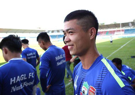 Cong Phuong: Bi an nhung mai toc dieu da - Anh 2