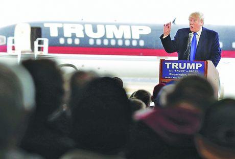 Hang khong My cau cuu ong Donald Trump - Anh 1