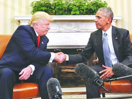 'Mon qua' Tong thong Obama gui Donald Trump - Anh 1