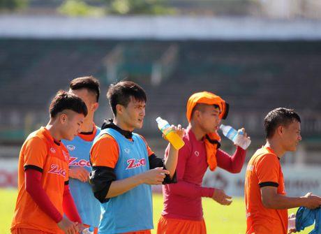 AFF Cup 2016: DTVN gap 'thu thach' dau tien o Myanmar - Anh 1